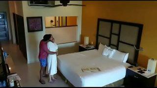होटेल रूम मे मस्त भाभी की चुदाई