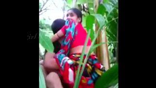 इंडियन भाभी का खेत मे चुदाई का सेक्स