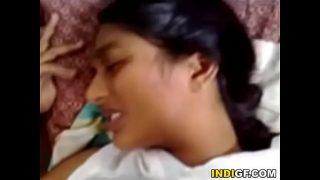 तमिल वर्जिन लड़की के चूत की सील फॅट गई
