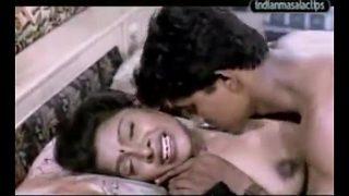 मल्लू पड़ोसी के सेक्स का देसी पॉर्न वीडियो