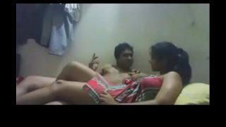 कश्मीरी लड़की को उसके बॉयफ्रेंड ने चोद वीडियो बनाया