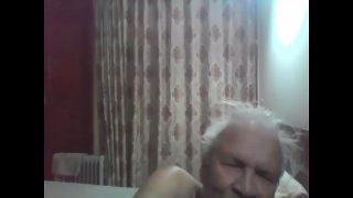बूढ़े आदमी ने अपने नौकरानी  सेक्स लंड चुड़सवया