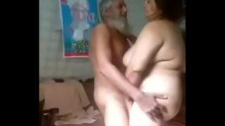 मुस्लिम आंटी को उसके ससुर ने चोदा